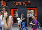 Orange y Vodafone pisan los talones a Movistar