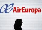 Azafatas indefinidas de Air Europa menos de cuatro meses al año