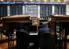 Las pérdidas en la Bolsa crecen tras no presentar Grecia un plan