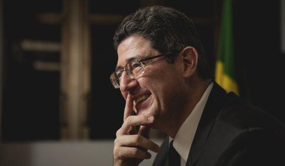 El ministro Joaquim Levy durante la entrevista, el miércoles, en su despacho.