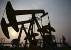 Goldman Sachs ve posible que el petróleo baje hasta los 20 dólares