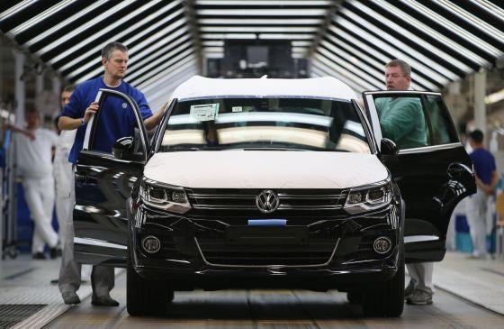 Alemania presiona para bajar los controles de contaminación en coches