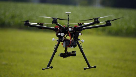 Amazon: Wal-Mart también repartirá productos con drones