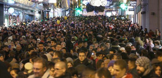 La calle Preciados de Madrid durante la Navidad