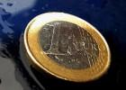 El euro baja de 1,07 dólares y bate mínimos de siete meses