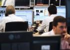 El Tesoro capta 3.507 millones y baja el interés en todos los tramos