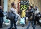 El 'Black Friday' llena el comercio del centro antes de Navidad