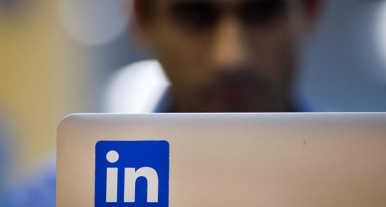 Los expertos aconsejan aceptar todas las invitaciones en Linkedin