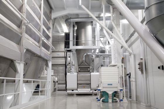Interior de la fábrica de Harivenasa en Pamplona (Navarra)