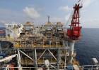El petróleo se desploma y bate mínimos de más de seis años