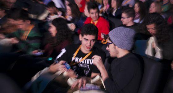 Estudiantes durante la primera jornada de El País con tu futuro.