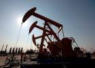 El crudo baja de los 35 dólares por barril por primera vez desde 2004
