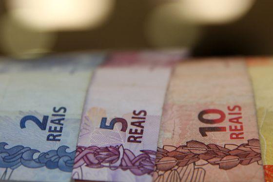 Brasil, que tiene un gran déficit fiscal, decrecerá un 2,5% sobre el PIB en 2016, según el Banco Mundial. EFEArchivo