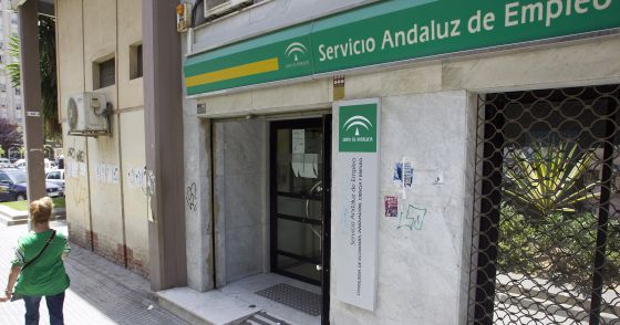 El desempleo en la zona euro baja al 10 5 y al 9 1 en for Oficina de desempleo malaga
