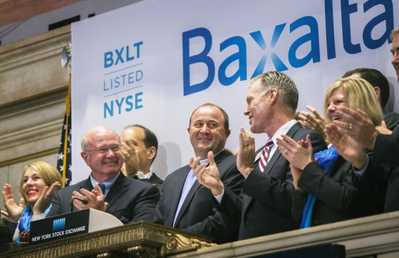 Ejecutivos de Baxalta en el New York Stock Exchange