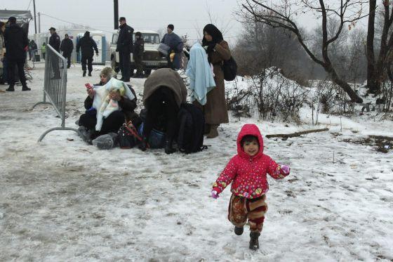 Pese a las bajas temperaturas del invierno, el flujo de inmigrantes hacia Europa se mantiene en las últimas semanas, como este campamento en Serbia.