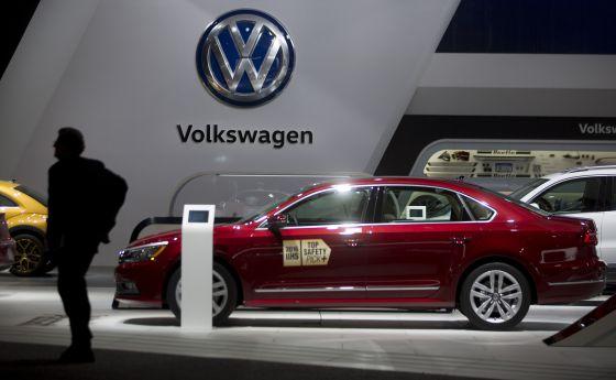 Un coche Volkswagen Passat en el salón del automóvil de Detroit (Estados Unidos), el 12 de enero de 2016.