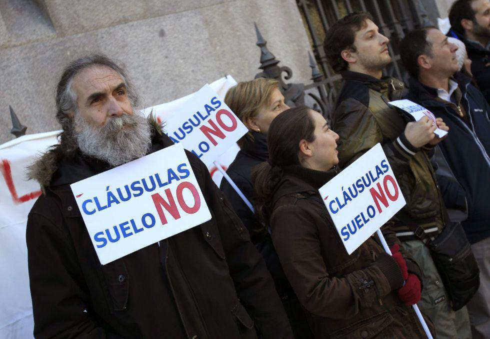 Miembros de la plataforma de afectados por las cláusulas suelo