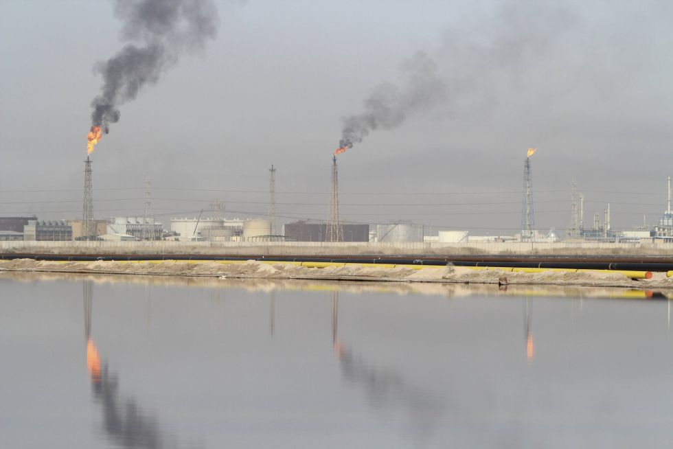 Refinería de Al-Sheiba en la ciudad de Basra (Irak).