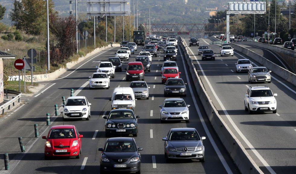 Vehículos en la Nacional VI, la carretera de A Coruña