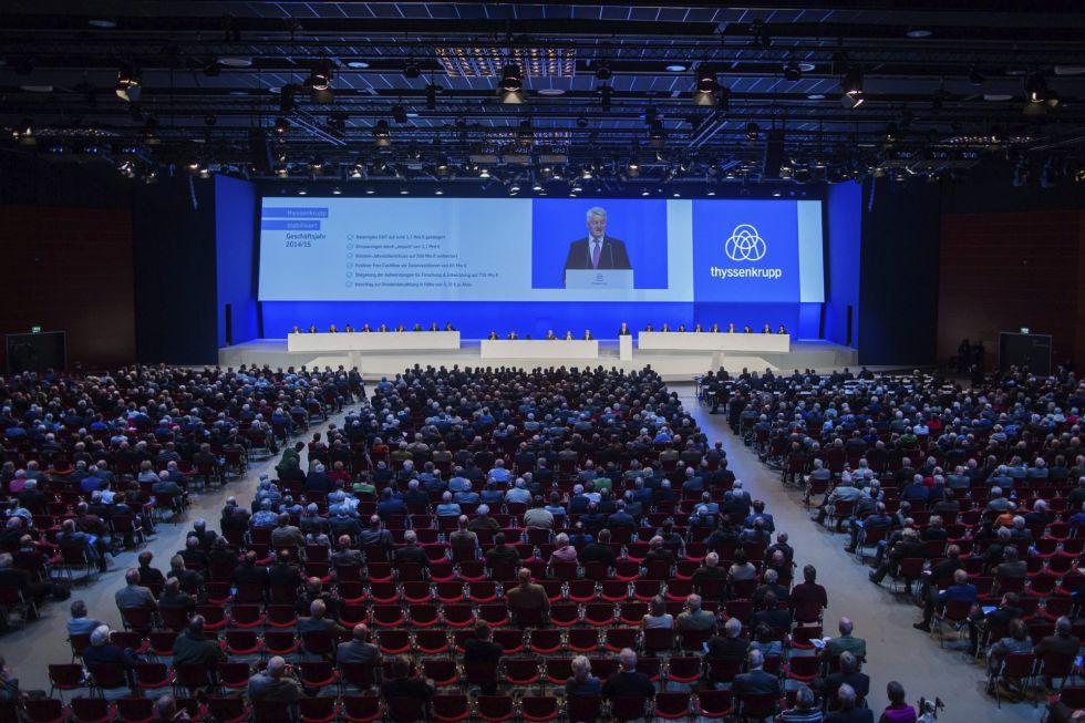 El presidente de la Junta Directiva de Thyssenkrupp, Heinrich Hiesinger, interviene en la junta general de accionistas de la compañía celebrada en Bochum (Alemania) en enero pasado. EFERolf Vennenbernd