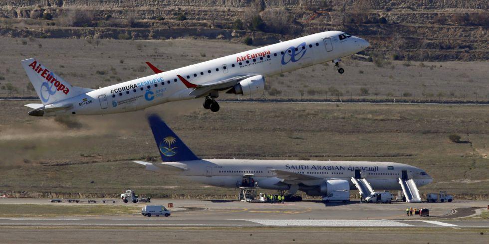 Un avión de Air Europa despega de Barajas