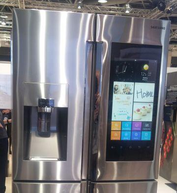 Pantalla frontal del frigorífico Samsung Family Hub.