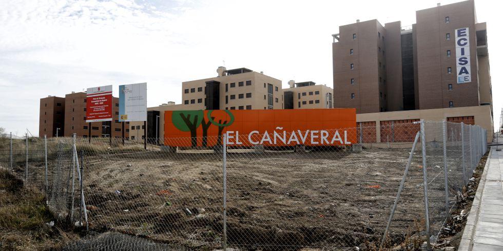 Primeros bloques de pisos terminados en el barrio de El Cañaveral.