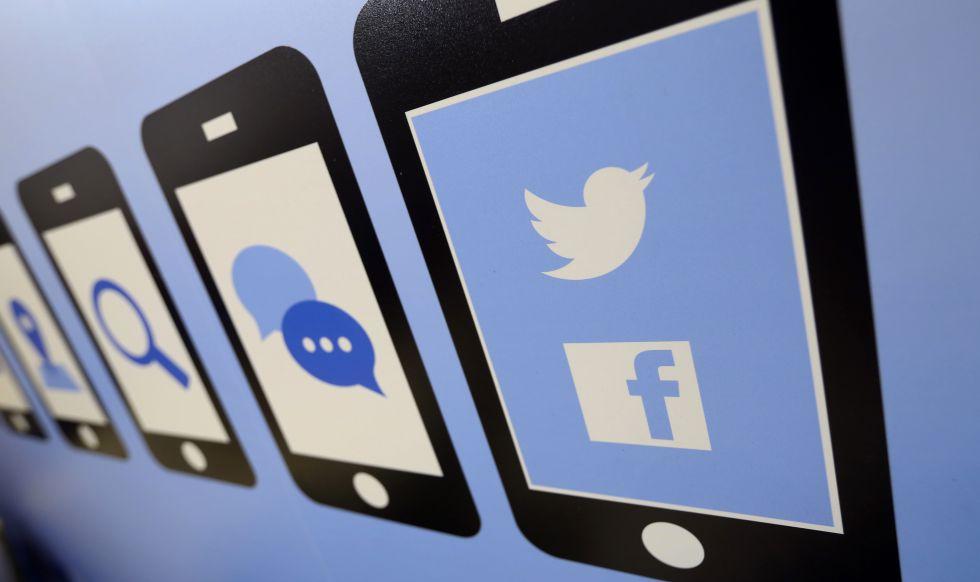 Logotipos de las redes sociales Facebook y Twitter.