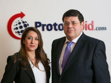 Tere Utrera, gerente de Protorapid, y Javier Payret, fundador.