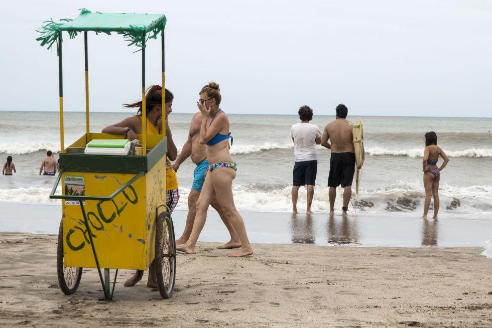 Las playas de Villa Gesell, en Argentina, en este verano austral