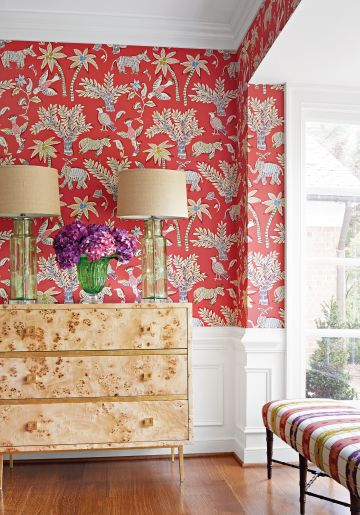 Papel pintado inspirado en las técnicas artesanales de India, de la firma Thibaut Design y de venta en Demarques por 230 euros.