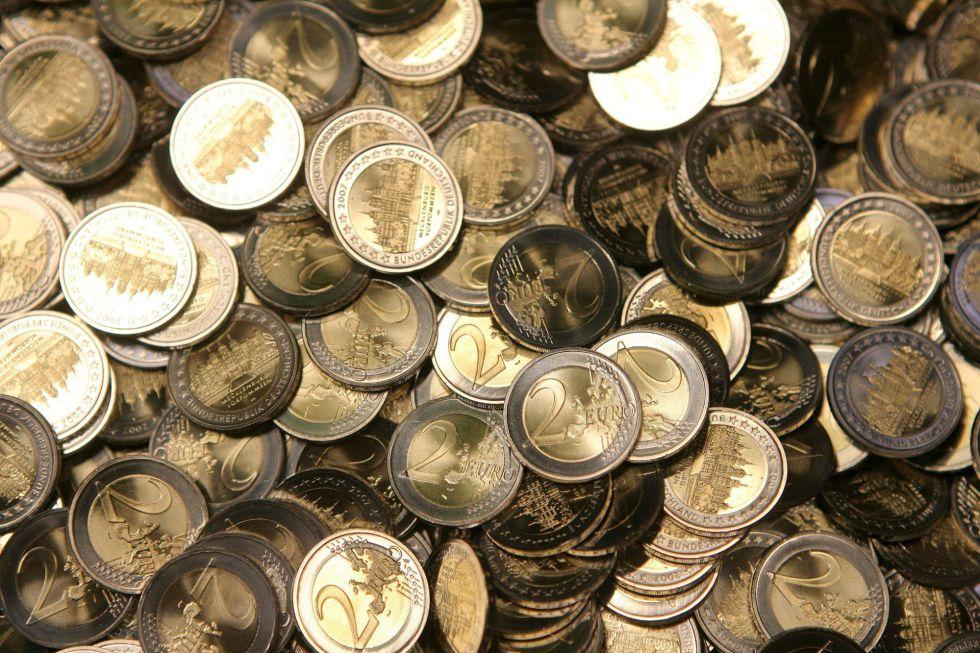 Una imagen de monedas de dos euros