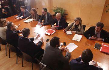 Reunión entre Ciudadanos y PSOE en el Congreso de los diputados, el 6 de febrero de 2016. rn