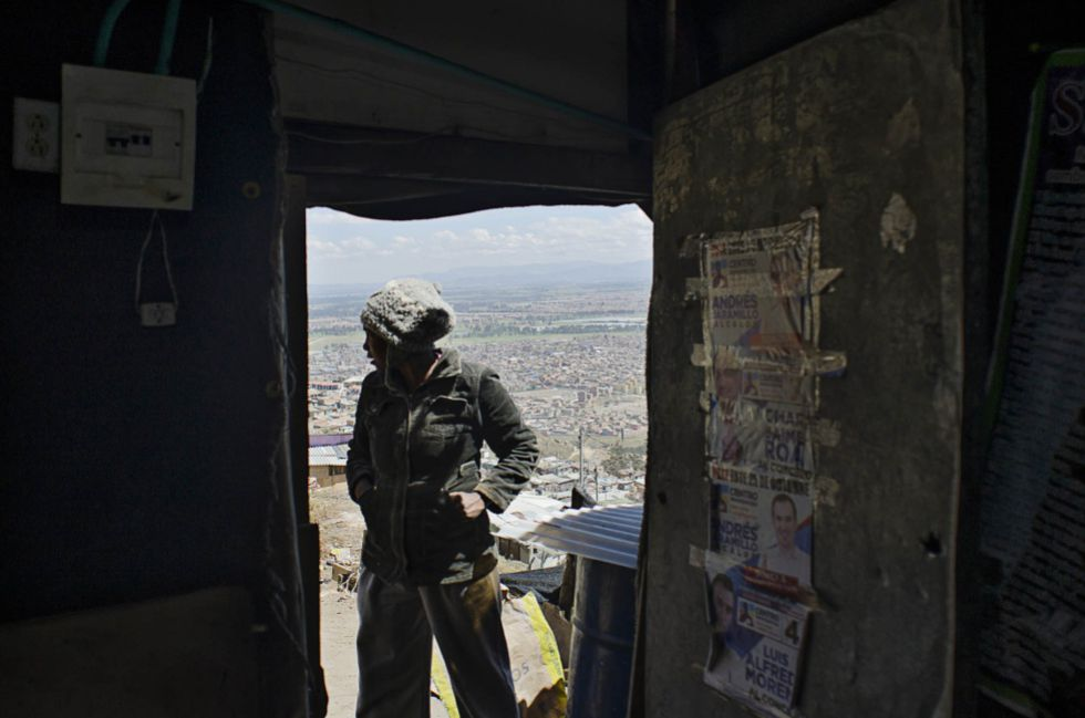 Un desplazado residente en Soacha, uno de las zonas más pobres a las afueras de Bogotá, Colombia.