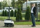 Los robots compiten con los drones para ser los carteros del futuro