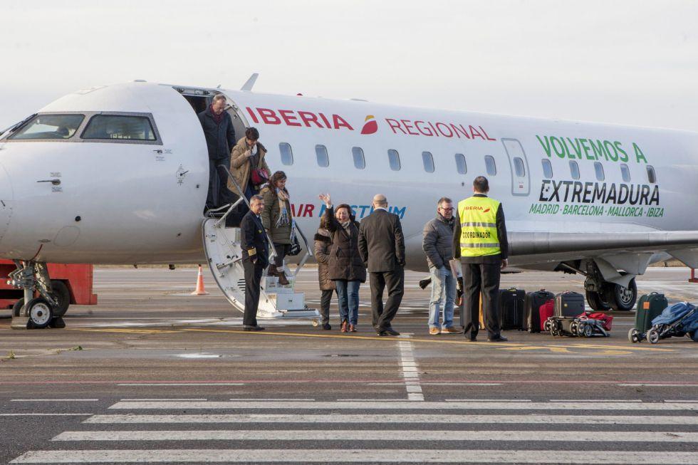 Avión de Air Nostrum en el aeropuerto de Badajoz (Extremadura).