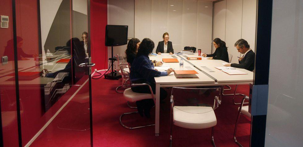 En los centros de negocios se alquilan despachos independientes y salas de reuniones.
