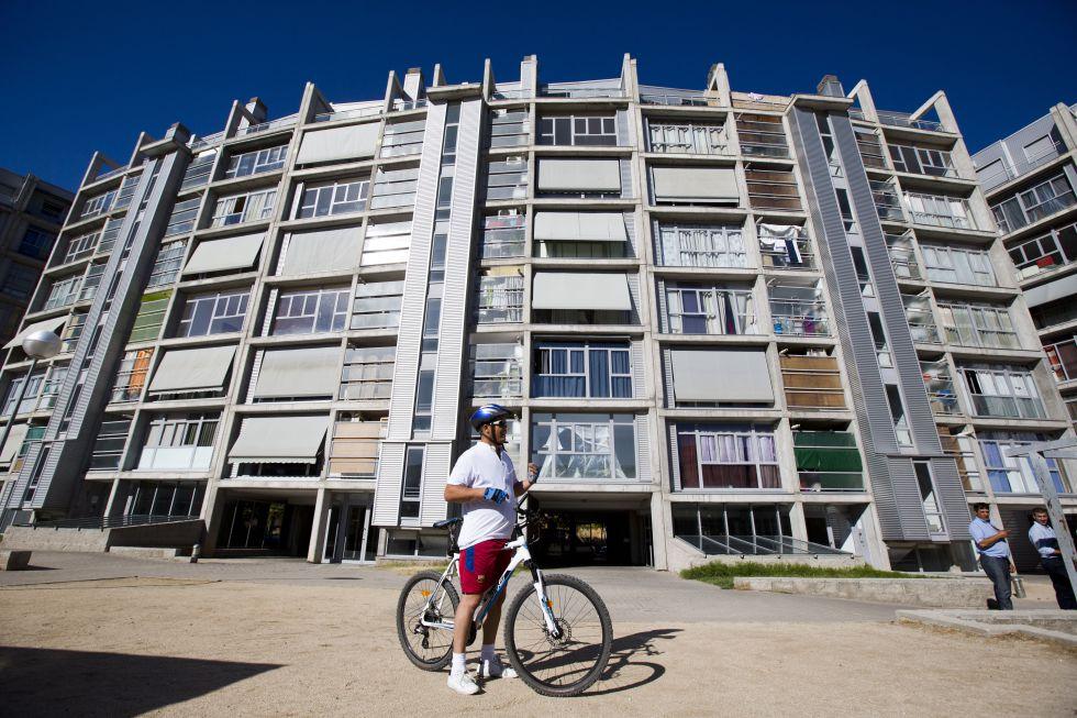Bloque de viviendas sociales en Carabanchel, que perteneció al Ayuntamiento de Madrid.