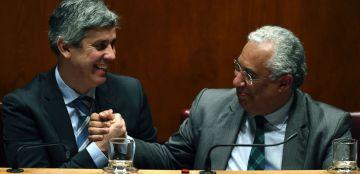 De izquierda a derecha el ministro de Finanzas, Mário Centeno, y el primer ministro portugués, António Costa.