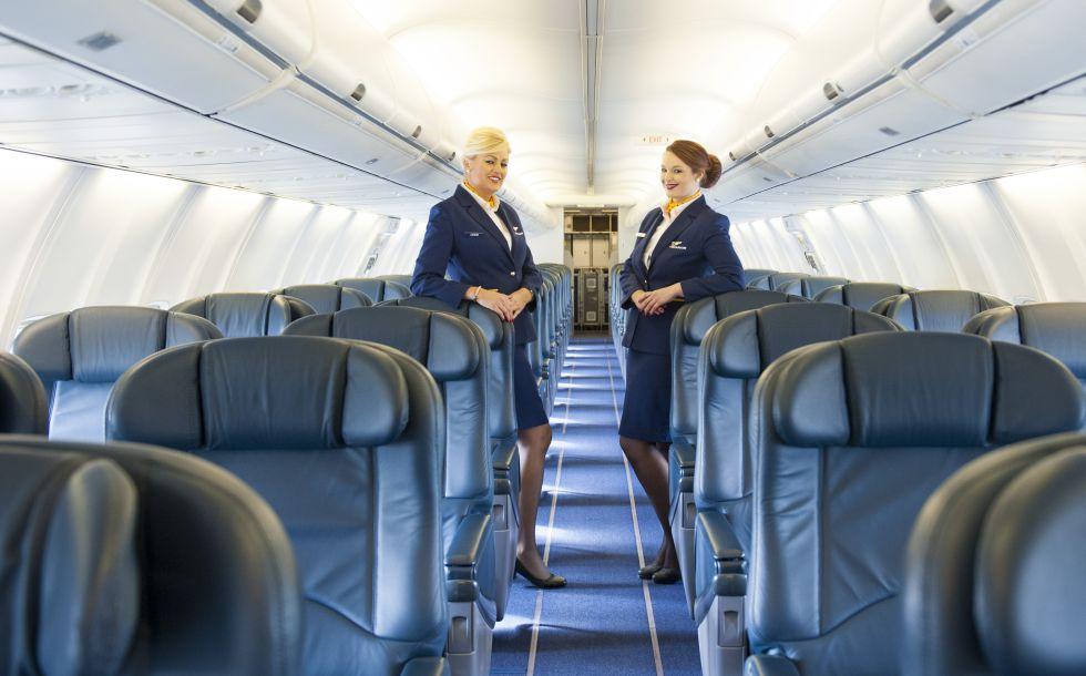 Azafatas de Ryanair en el Boeing que la compañía alquila.