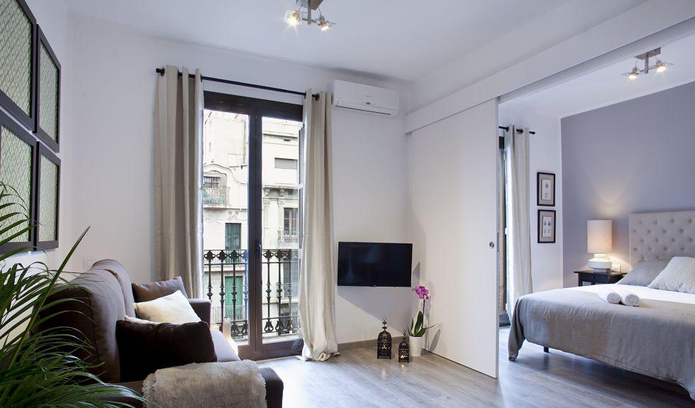 Oferta de un apartamento turístico de Airbnb en Barcelona.
