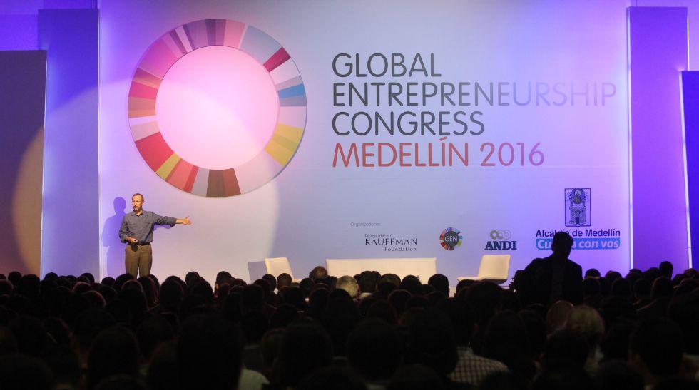 Conferencia durante el GEC 2016 en Medellín, Colombia.