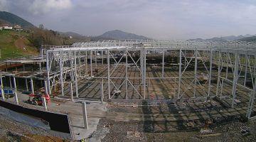 Vista de las obras en la planta de Irizar para fabricar autobuses eléctricos, en Aduna (Gipuzkoa).