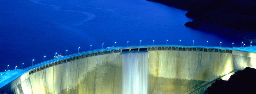 Las tarifas del agua no cubren el mantenimiento de infraestructuras como la presa del Atazar (Madrid).