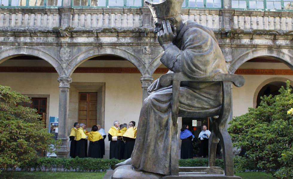 Claustro del Pazo de Fonseca, Universidad de Santiago.