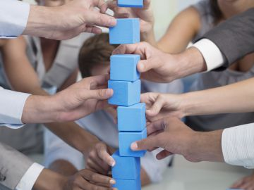 Los juegos fomentan valores de colaboración en la empresa.