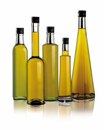 Botellas con distintos aceites de oliva