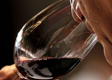 Guía para hacer la compra (1): cómo elegir el vino o el aceite de oliva