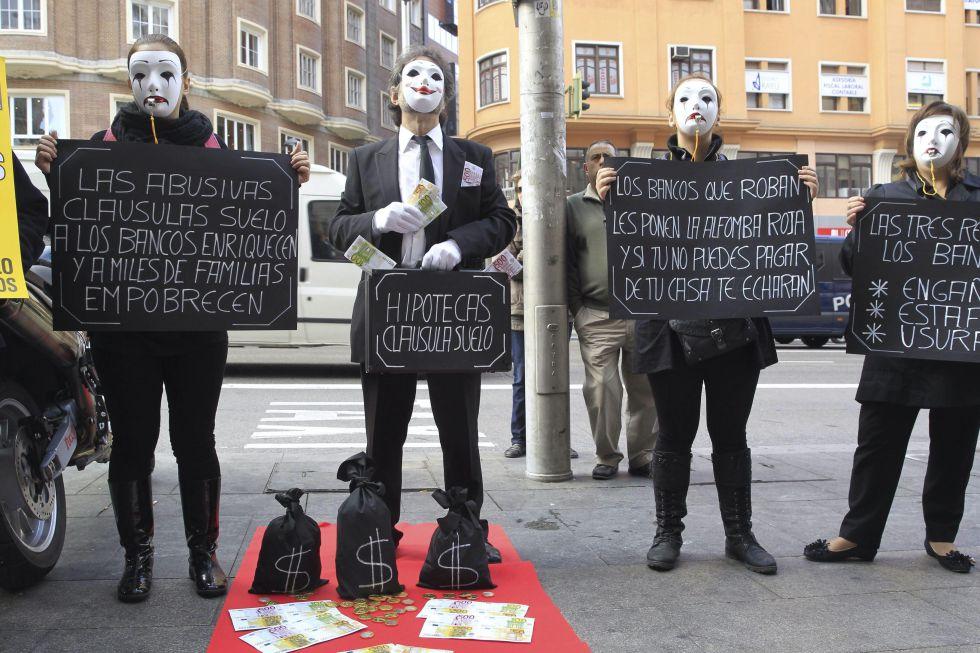 Una protesta de afectados por las clausulas suelo